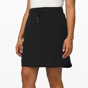 Lululemon ON the fly skirt new with tags !